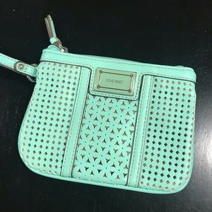 🌼2 FOR 10🌼 Mint Nine West Clutch